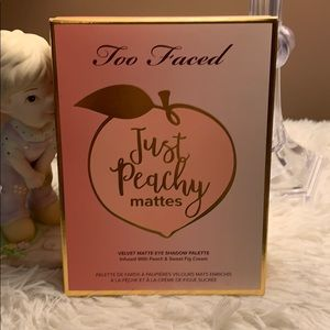 Too faced Just Peachy Mattes Palette BNIB